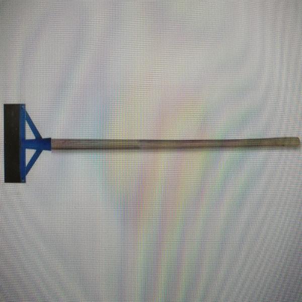 Металлический скрепер 30 см